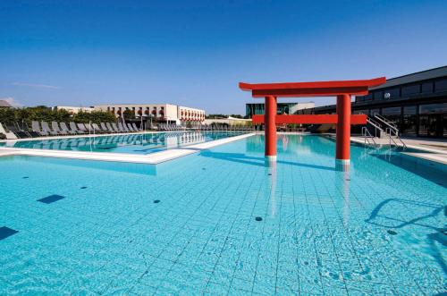 The swimming pool at or close to Linsberg Asia Hotel, Spa & Therme - Adults Only