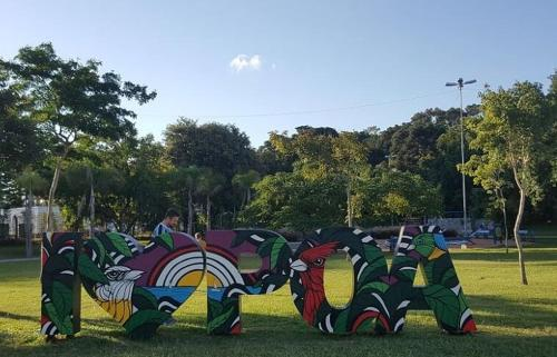 A garden outside ÓTIMA LOCALIZAÇÃO! EMPRESAS E FAMÍLIA (TÉRREO)