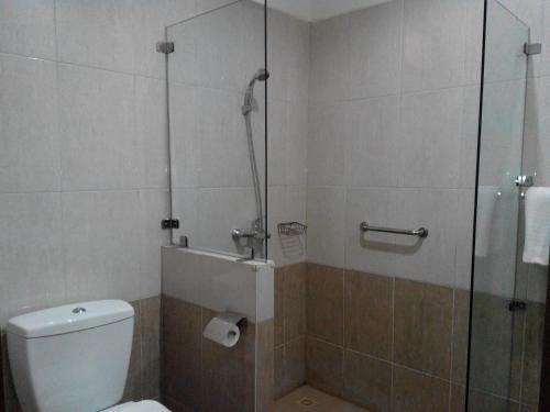 A bathroom at Rukun Senior Living