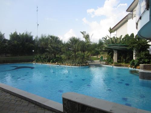 The swimming pool at or near Rukun Senior Living