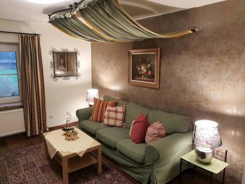 Ein Sitzbereich in der Unterkunft Haus am Moos