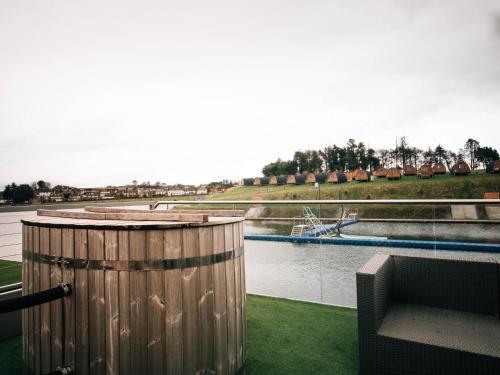 Let's Go Hydro Luxury BoatHouse, Belfast