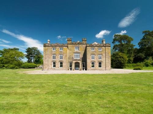 Newcourt Manor