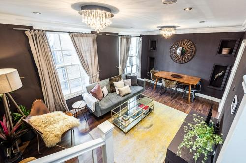 3 bed & 2 bath luxury house in the heart of Kensington