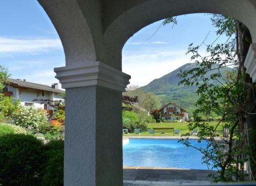 Der Swimmingpool an oder in der Nähe von Ferienwohnungen Doktorwirt