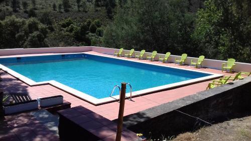 The swimming pool at or near Quinta Das Lameirinhas