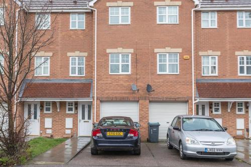 3 Bedroom house, Haynes Road, by Claire Walton Property (Bedford)