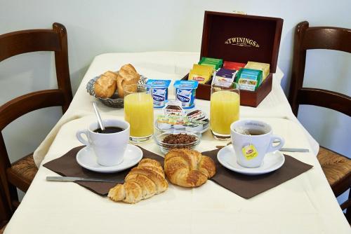 Options de petit-déjeuner proposées aux clients de l'établissement Hotel Luxor