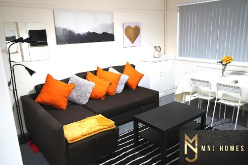 Beautiful/Homely 2 bed flat in Birmingham City Centre with Free Car Parking