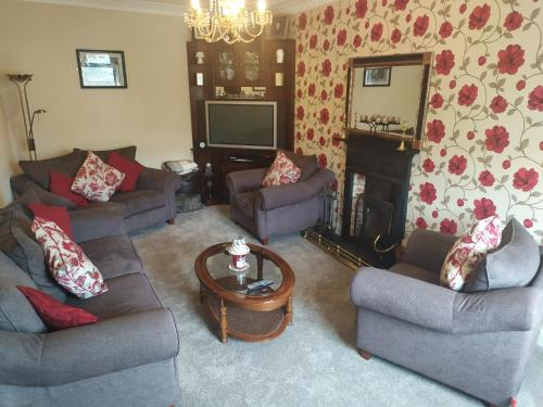 A seating area at Tigh Fitz Bed & Breakfast