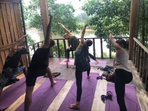 The fitness centre and/or fitness facilities at Nguyen Shack - Phong Nha Eco Resort