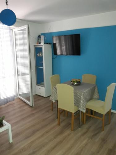 A television and/or entertainment center at Apartman - Sea&Nature - Krk