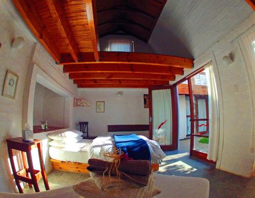 A bunk bed or bunk beds in a room at Alternative Space B & B