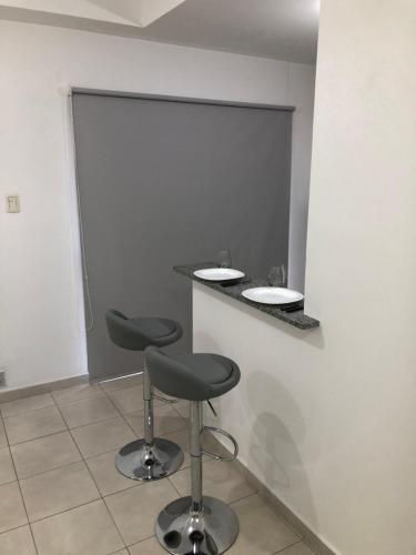 Un baño de DEPARTAMENTO CÉNTRICO CON COCHERA