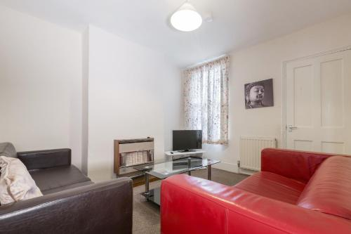3 Bedroom period house, Newnham Avenue, Claire Walton Property (Bedford)
