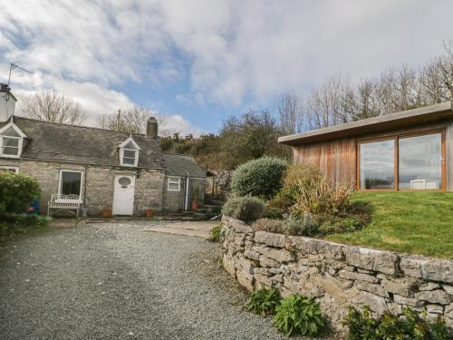 Bron Heulog Cottage