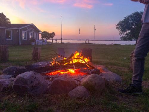 Soluppgång eller solnedgång från campingen