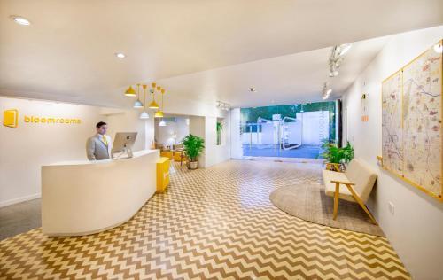 El vestíbulo o zona de recepción de bloomrooms @ Janpath