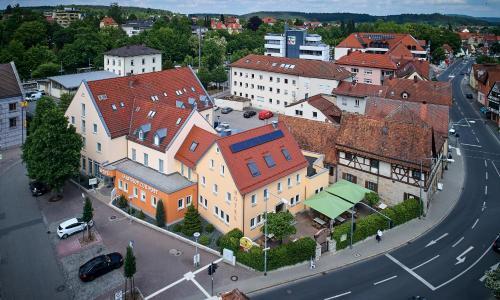 Blick auf Hotel Gasthof zur Post aus der Vogelperspektive