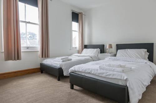 3 Bedroom house near Bedford Park, 40 Salisbury Street, by Claire Walton Property