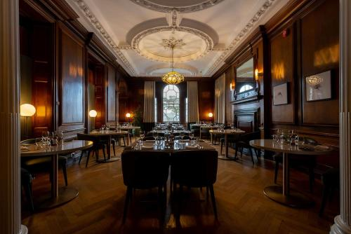 A restaurant or other place to eat at Fowey Hall - A Luxury Family Hotel