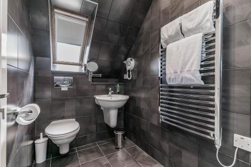 A bathroom at Skene House Hotels - Rosemount