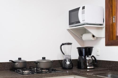 A kitchen or kitchenette at Monte Felice Stay - Parque da Vinícola