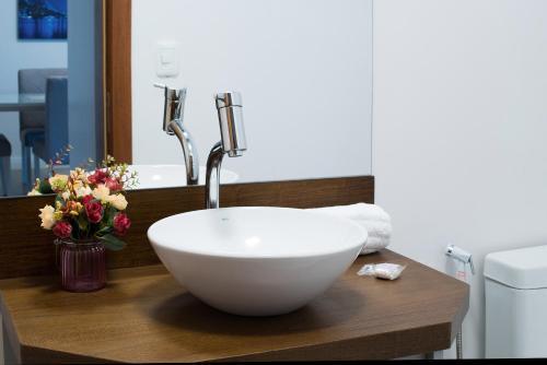 A bathroom at Monte Felice Stay - Parque da Vinícola