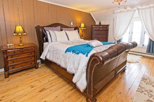 Un ou plusieurs lits dans un hébergement de l'établissement Auberge sur la Côte
