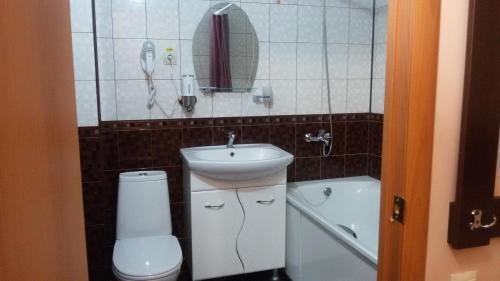 Ванная комната в Fortuna Hotel