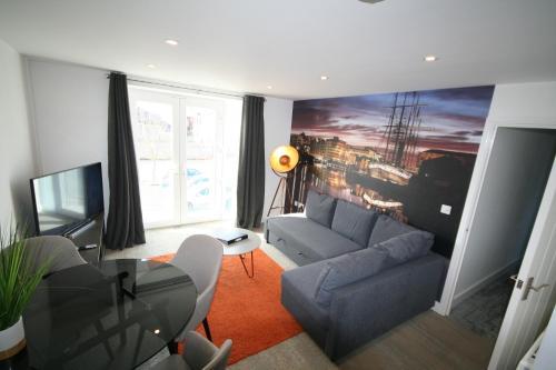 Brunel Loft Apartments - YA