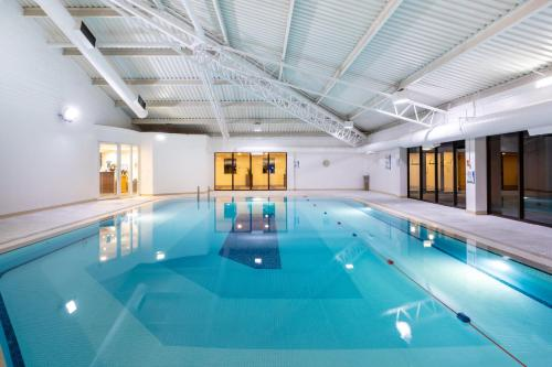 The swimming pool at or near Holiday Inn Gloucester / Cheltenham