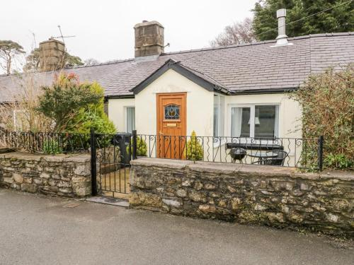 2 Tyn Lon Cottages