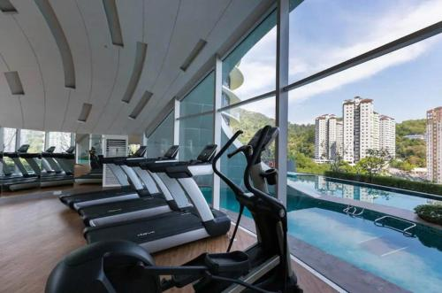 The fitness centre and/or fitness facilities at Arte S, 6pax, 15mins to spice arena & airport