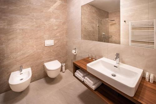 A bathroom at Hotel Radun
