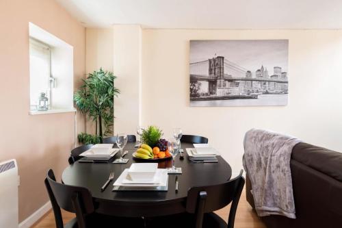 Birmingham City Apartments for Professionals