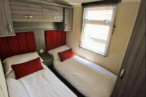 Patrington Haven Leisure Park, Luxury 8 Berth Park Home