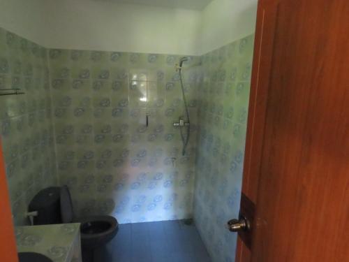 A bathroom at Zum Deutschen