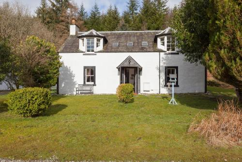 Spacious, characterful property nestled on an estate in beautiful Comrie perfect for large families and celebrations
