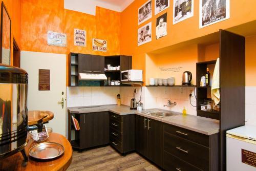A kitchen or kitchenette at Best Spot Hostel