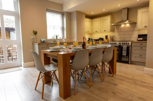 Luxury Listed Townhouse 350 Yds From Racecourse