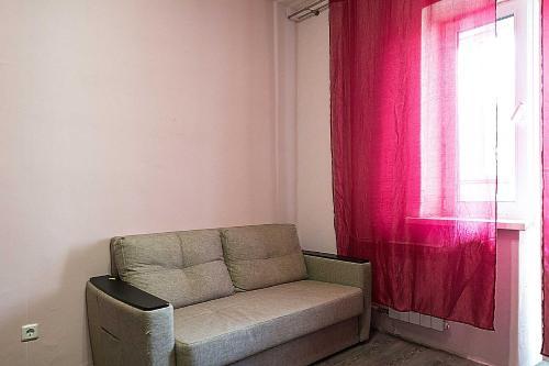 A seating area at Апартаменты в Богородском, 16