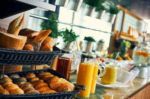Breakfast options available to guests at Dorint Hotel Durbach/Schwarzwald