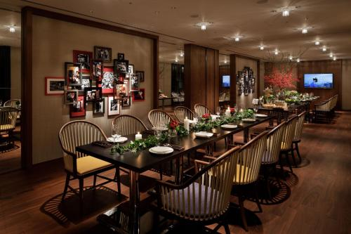 A restaurant or other place to eat at Hyatt Centric Ginza Tokyo