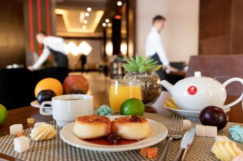 Breakfast options available to guests at Gorki Panorama