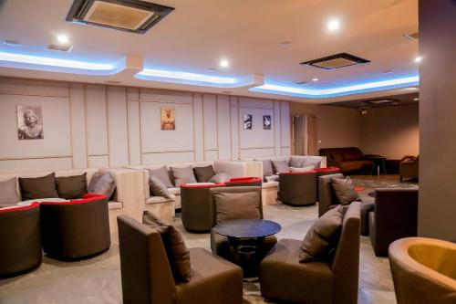 The lounge or bar area at Savan Resorts