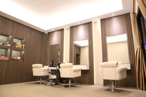 A seating area at Savan Resorts