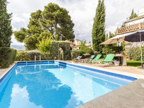 The swimming pool at or near Cortijo del pino