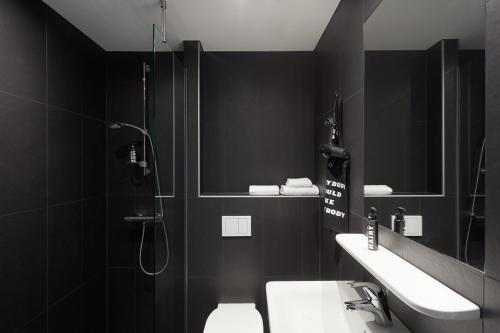 A bathroom at The Student Hotel Berlin
