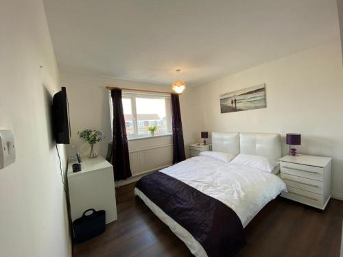 Spacious double room close to train station